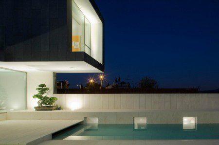 Захватывающий двухэтажный дом в Барселоне