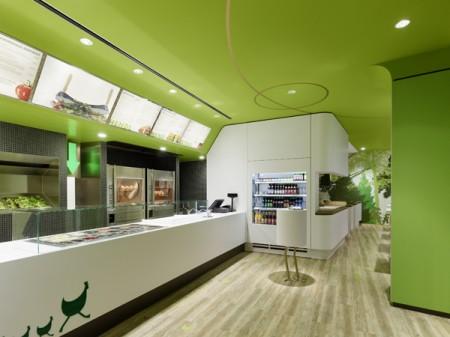 Яркий дизайн интерьера ресторана
