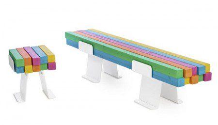Оригинальная и красочная скамья