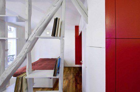 Удивительная небольшая квартира в Париже