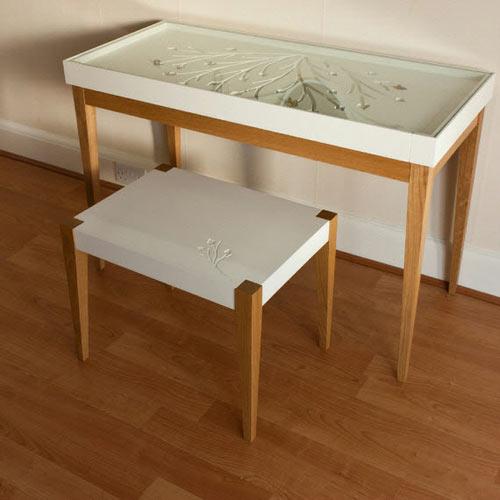 Восхитительный стол и стул