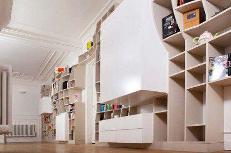 Забавная стенка для хранения книг