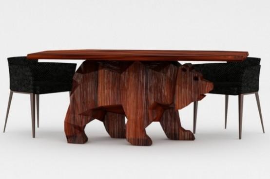 Грозный, но творчески выполненный стол