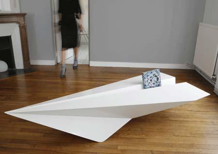Полетели или журнальный столик в форме самолета