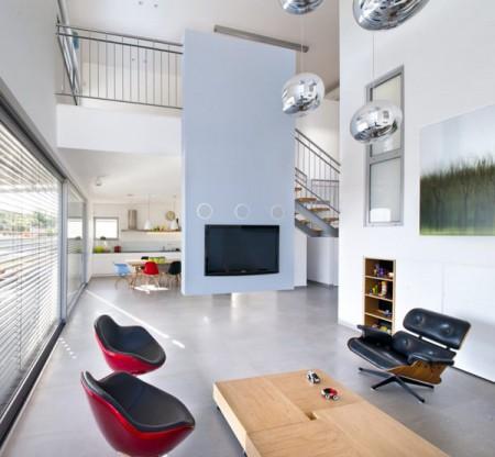 Дом из бетона с просторным интерьером в Израиле 7
