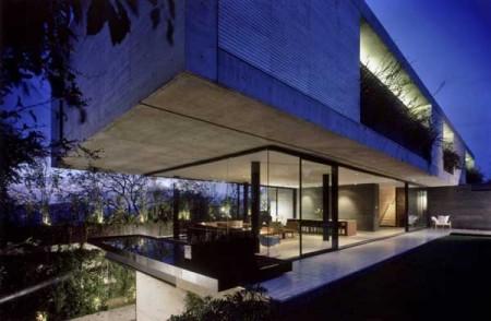 Дом из стекла и бетона в Мексике 1