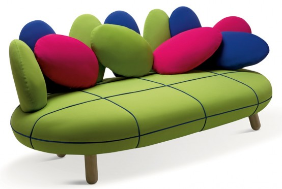 Симпатичный диван в ярких цветах 3