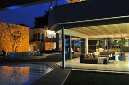 Стеклянный дом в Южной Африке 8
