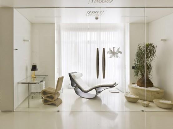 Яркая квартира в стиле минимализм