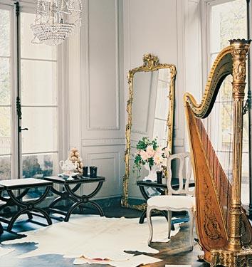 Большое зеркало в доме 14 фото
