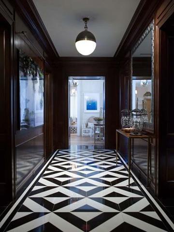 Дизайн коридора в черно-белом цвете 7