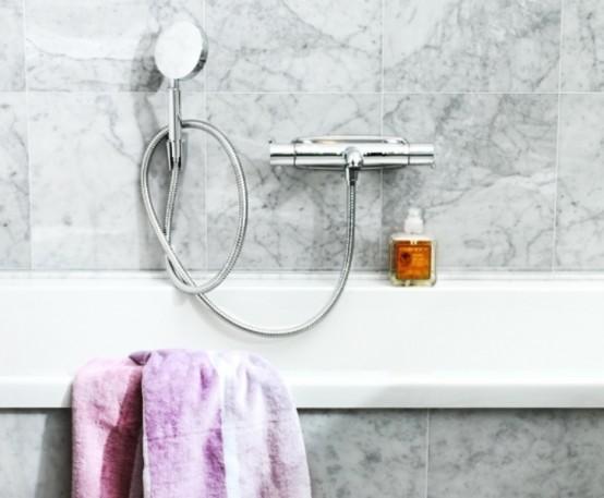 Ванная комната из различных оттенков мрамора