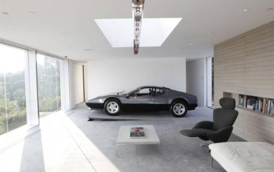 10 самых крутых и непонятных гаражей в мире