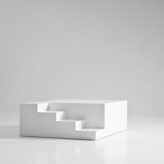 Журнальный столик с архитектурными деталями