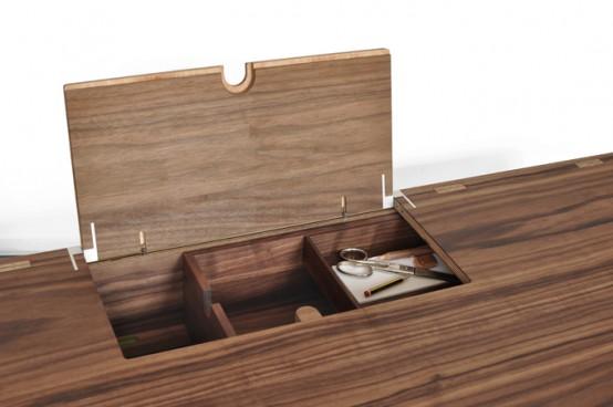 Компактный стол для работы на дому