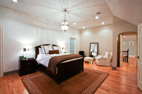 классический дизайн мужской спальни