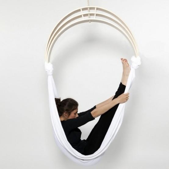 Гибкое кресло для занятий йогой