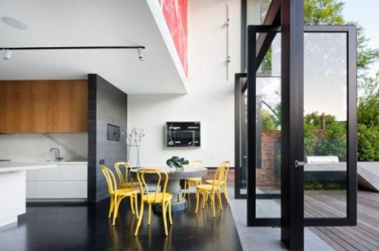 Яркий дизайн дома с историческим фасадом