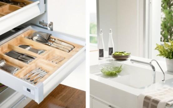 Минималистская белая кухня с оттенком лета