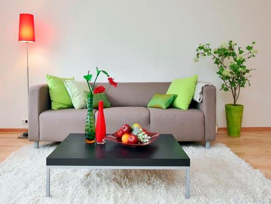Интерьер зала в частном доме в стиле минимализм