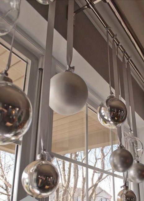 Как украсить окна к Новому году: 27 идей