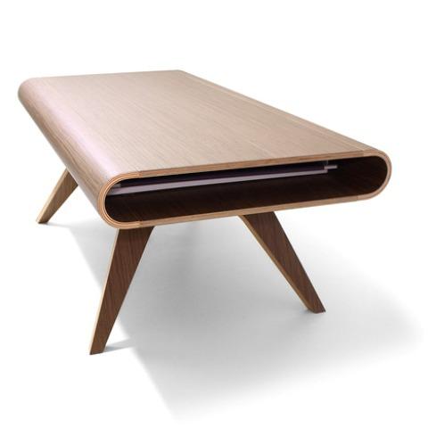 Стол Tabrio с грязезащитной поверхностью