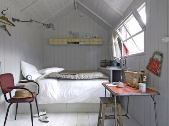 Дизайн узкой спальной комнаты