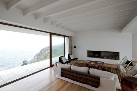 Одинокий особняк на берегу Тихого океана
