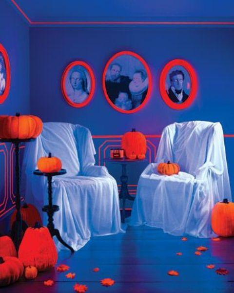 Неоновый Хэллоуин: 15 фото