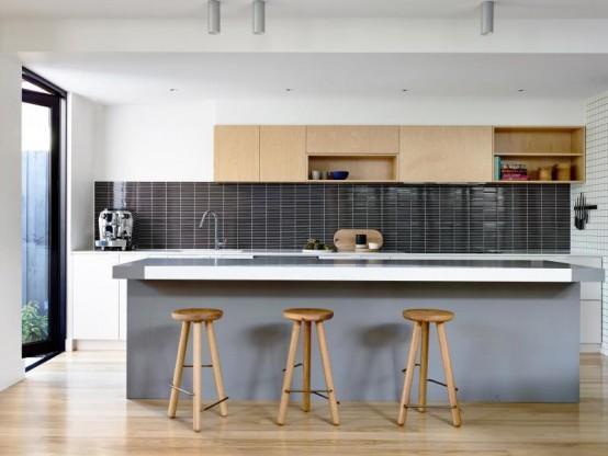 Современный дом с красочным интерьером