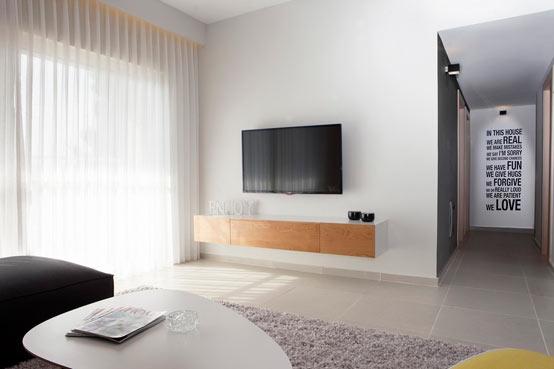 Апартаменты для молодой пары в Израиле гостиная 2