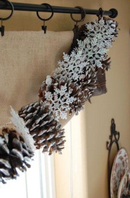 Новогодние гирлянды для дома: 38 фото