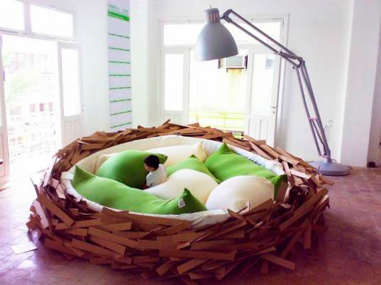 The Giant Birds Nest Bed