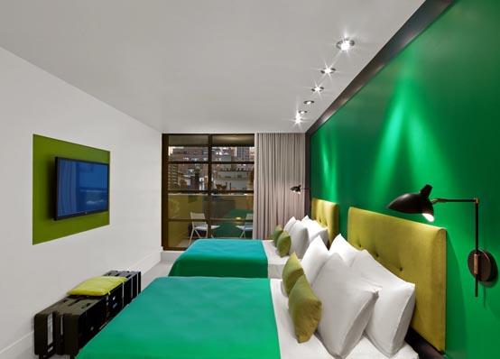 Отель с ярким и экспрессивным интерьером в Манхэттене