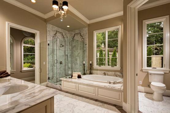 молдинги в интерьере ванной комнаты