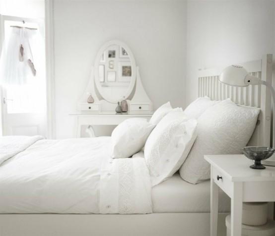 интерьер комнаты в белом цвете