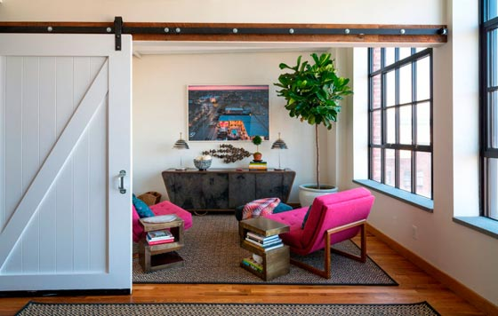 Раздвижные двери в зонировании помещения