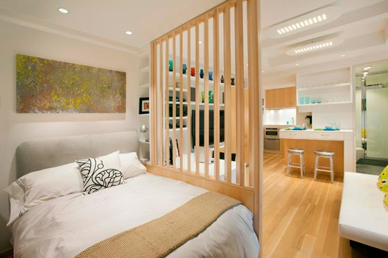 Зонирование комнаты с помощью перегородки из реек