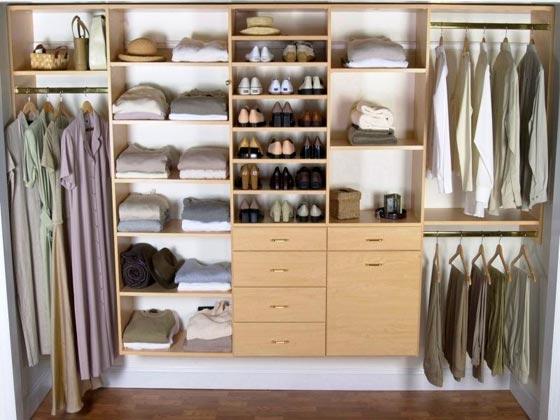 интерьер маленькой гардеробной