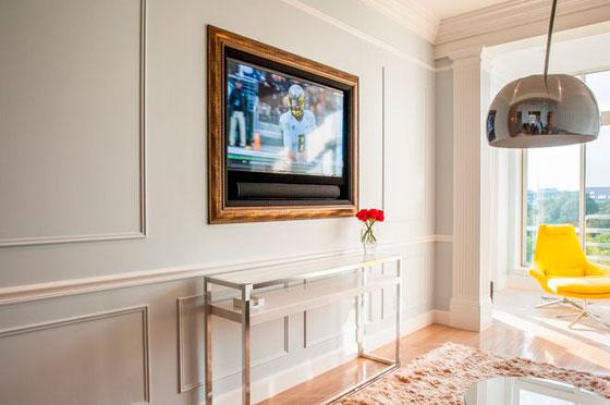 оформление стены под телевизор в гостиной