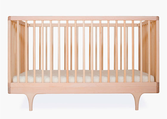 dizajn-spalni-s-detskoj-krovatkoj-2
