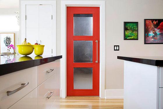 как подобрать цвет межкомнатных дверей к интерьеру кухни